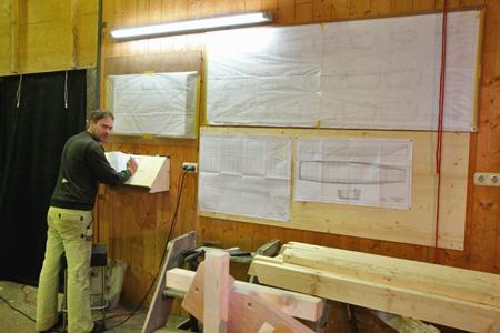 Felix Huber überwacht Baufortschritt