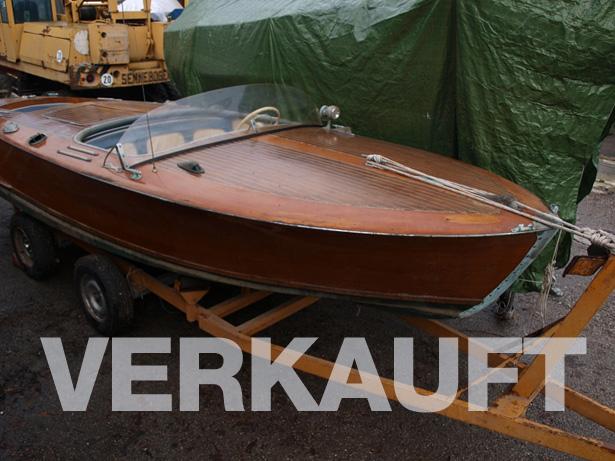 Motorboot Klassiker teilrestauriert